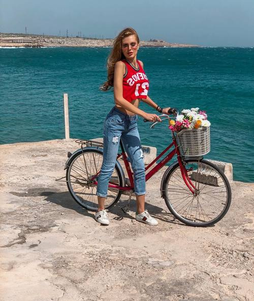 @eight_jeans ????. . . . #backstage #likeforlike #instalike #folow4folow #followme #model #travel #ukrainegirl #lebanon #fashion #look #swag #trending #ss18 #jeans #pareo  #trendy #glamour #modelling #makeup #fashionstyle #usa #bike #flawers?? #sportygirl #sea #summer #modelling #blonde #sunglasses
