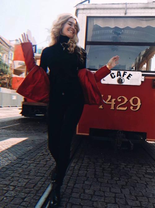 ALINA MATSENKO - 0 AND NUMBERS NEW TRAIN DOU SEE TAIN BUBBA